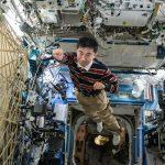 宇宙飛行士 油井亀美也 × 伊藤穰一(MIT Media Lab所長)——宇宙は「地球の未来」の実験室