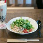 パクチーたっぷり! 「春水堂」の冷たい麺でリフレッシュ——エクスペディア・広報 村井晶奈さん
