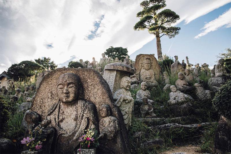 菰野町|大日堂にある三重県指定史跡「竹成五百羅漢」