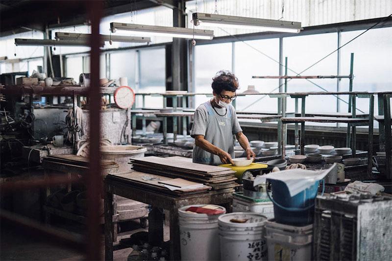 菰野町|三重県「山口陶器」工場