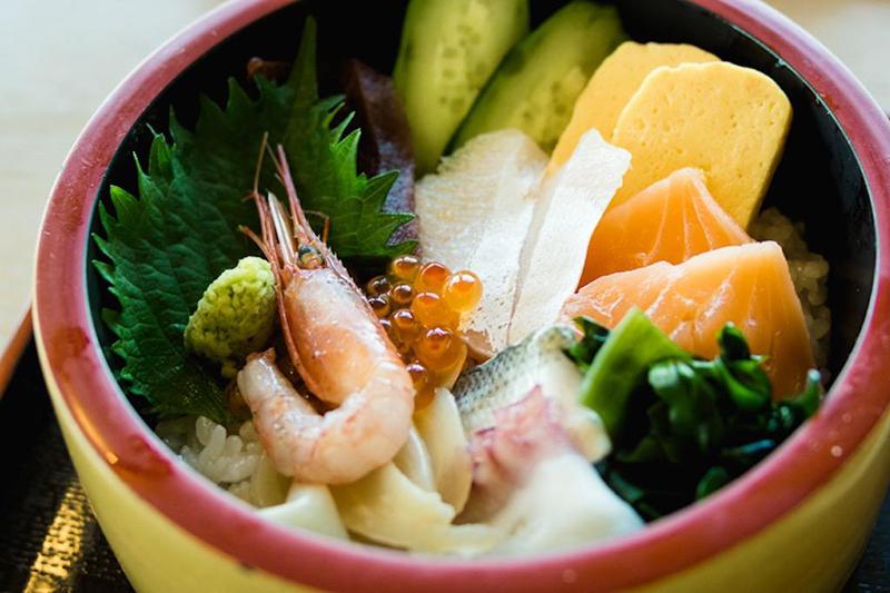 出雲崎町の「天領の里」にあるレストラン「陣や」サザエの炊込みご飯|新潟