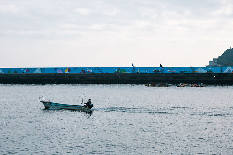 上甑島の入り口である里港