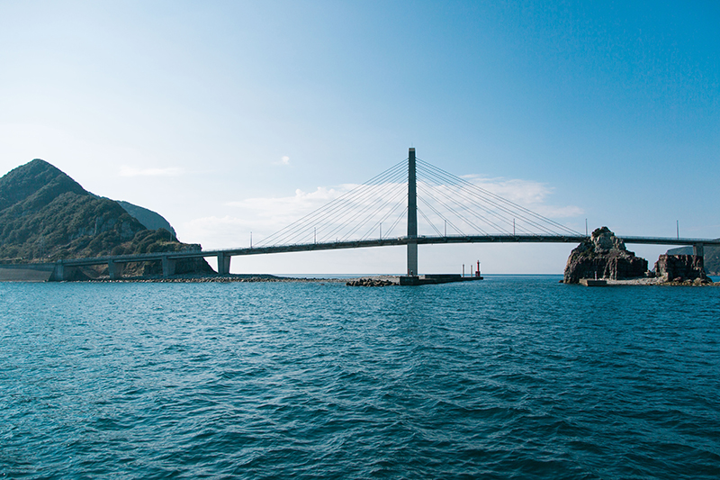 甑大明神橋という全長420メートルの大吊橋