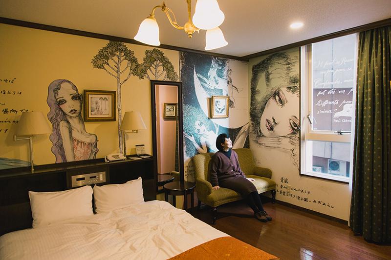 オールドイングランド道後山の手ホテル/宇野亞喜良「恋愛辞典」