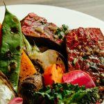 2000円のご褒美ランチ——イタリアン〈ヒルズ ダル・マット〉の赤身肉と野菜のグリル