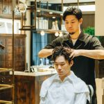 秋の抜け毛を防ぐ、夏の男の頭皮ケア——メンズグルーミングサロン & ストア バイ カキモトアームズ